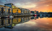 iStock_14577775_LARGE_galway_boat.jpg